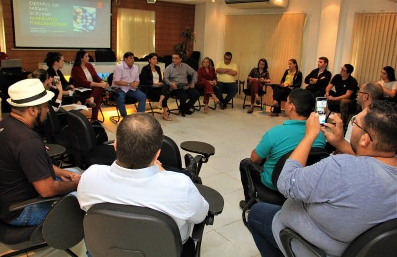 Escola do Legislativo conclui capacitação em redes sociais para servidores