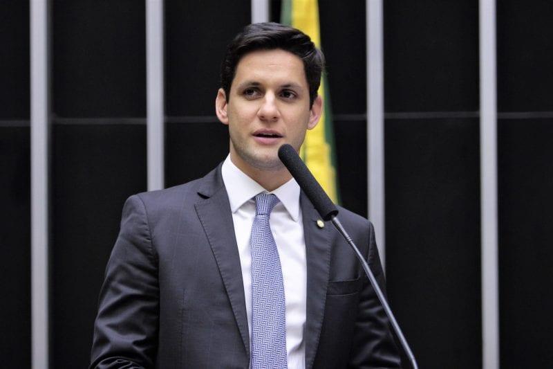 Deputado Rafael Motta quer explicações sobre encerramento das atividades da Petrobras no RN