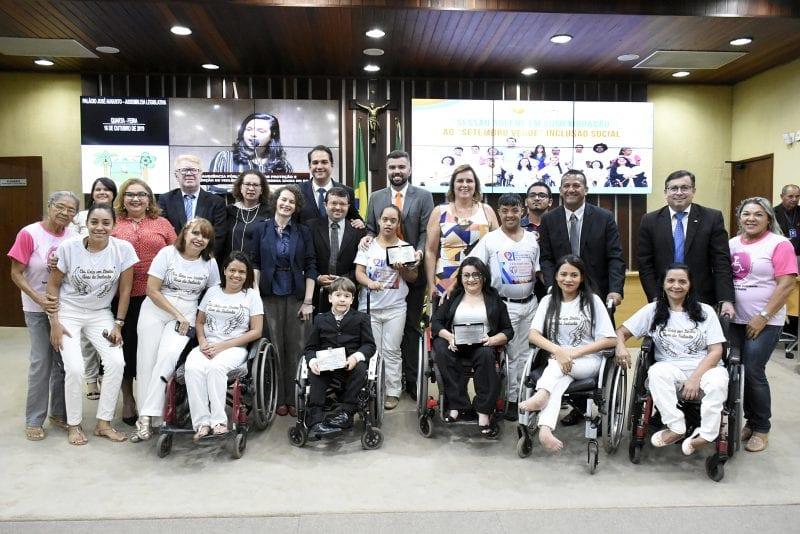 Sessão solene em alusão ao Setembro Verde homenageia pessoas com deficiência