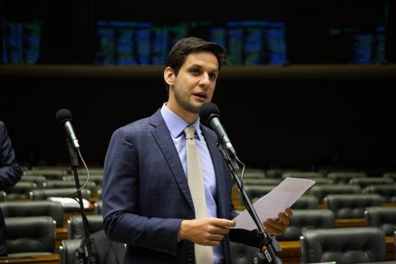 Após Governo propor extinção de municípios, Rafael Motta solicita criação de comissão em defesa dos entes federados