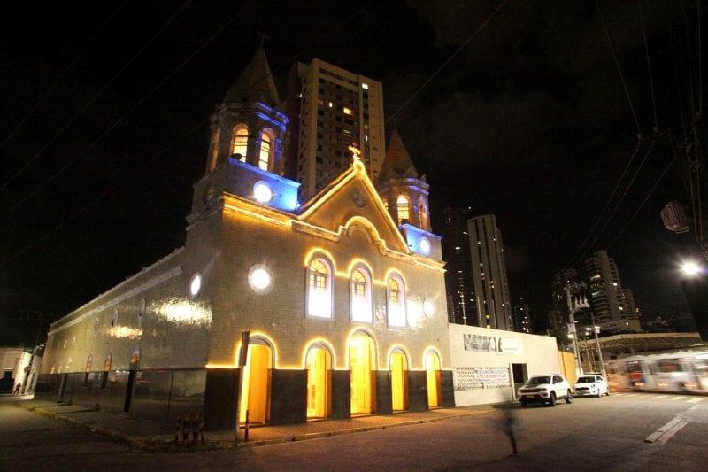 Prefeitura instala iluminação especial de Natal no Circuito Histórico