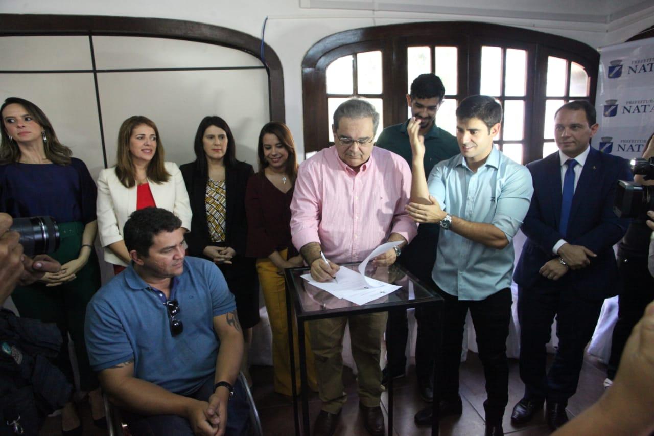 Informe Publicitário:  Natal terá Central de Libras