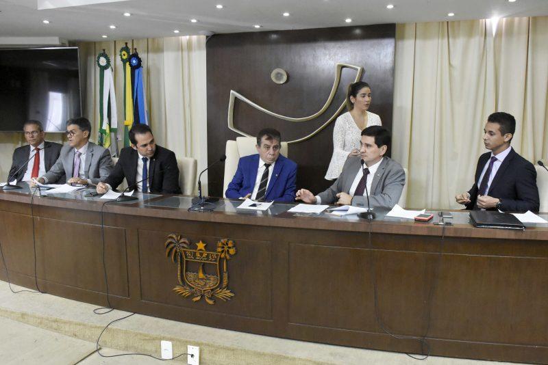 Em reunião extraordinária, CCJ aprova abertura de crédito pelo governo do estado