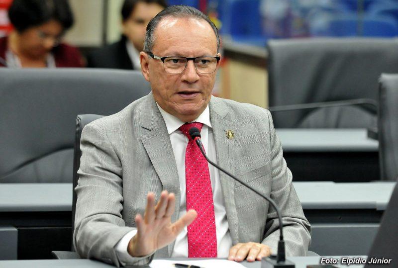 Projeto de Lei de autoria do vereador Raniere Barbosa visa realização de visitas virtuais para pacientes internados