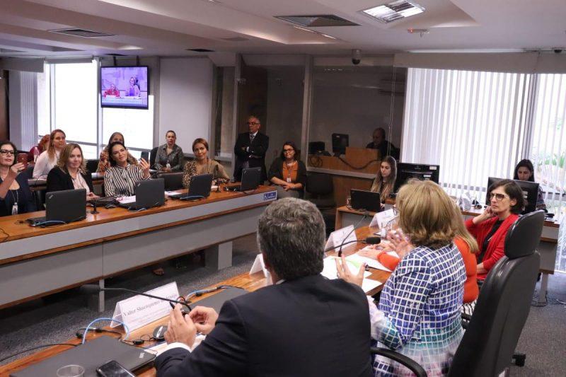 Senadora Zenaide debate violência contra a mulher em audiências públicas no Senado