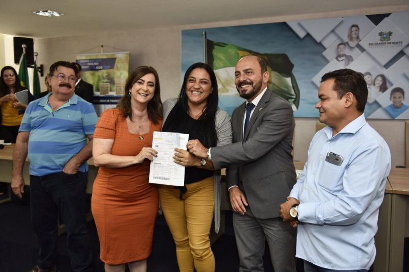 Empreendedores de Natal e Ceará-Mirim recebem apoio do Microcrédito da AGN-RN