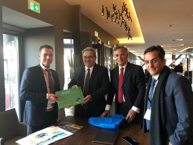 Em Amsterdã, Prefeito Álvaro Dias se reúne com diretor da Corendon
