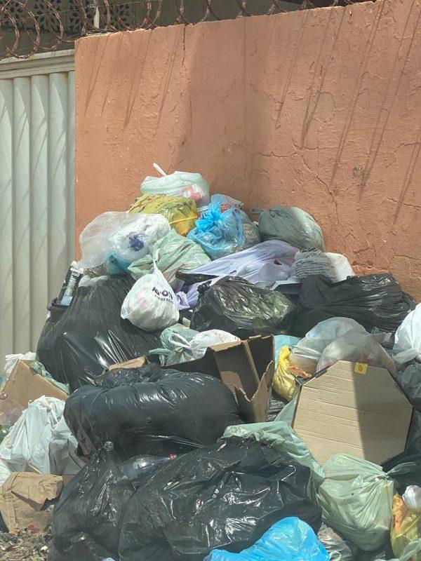 Nísia Floresta abandonada: lixo toma conta das praias