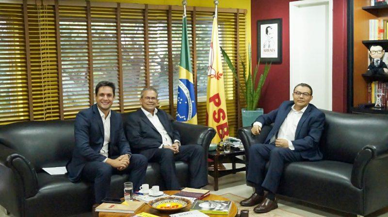 Rafael Motta e Hermano Morais debatem sucessão municipal com o presidente nacional do PSB