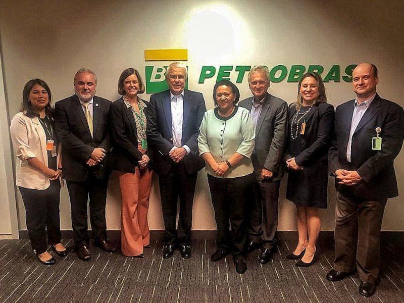 Em nova reunião, Fátima trata de permanência da Petrobras no RN