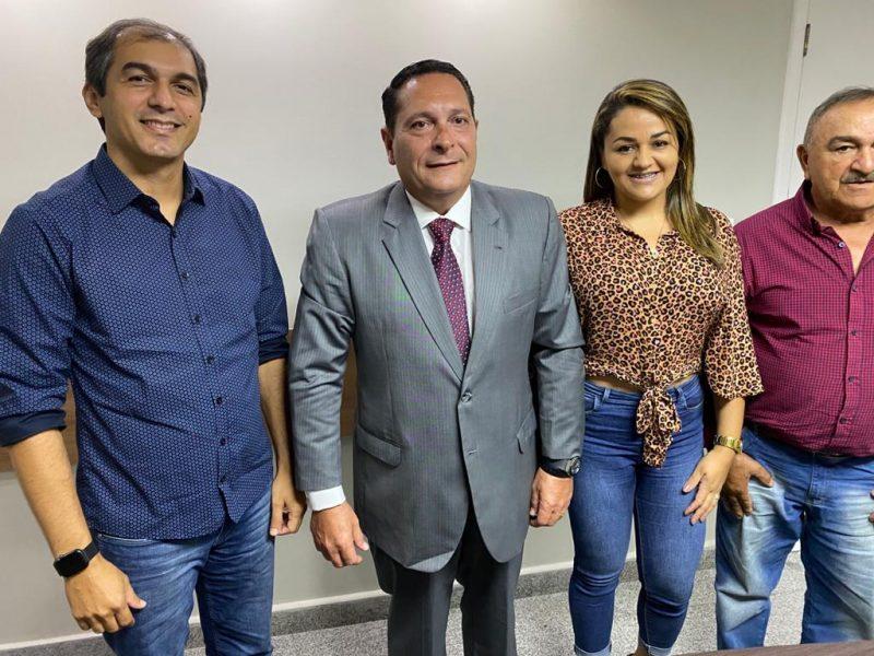 Região Trairi: Vice-prefeita de Coronel Ezequiel assina a ficha do PSDB