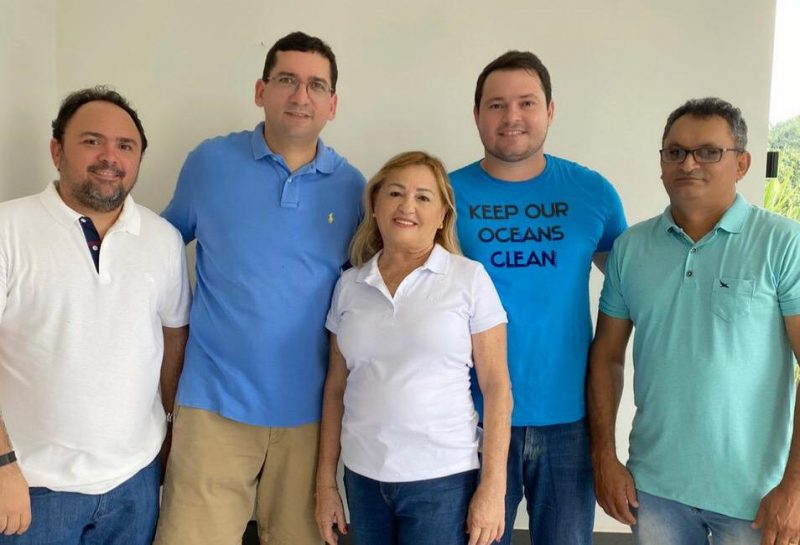 Ao lado de vereadores, Iogo Queiroz se filia ao PSDB para disputar a prefeitura de Jucurutu
