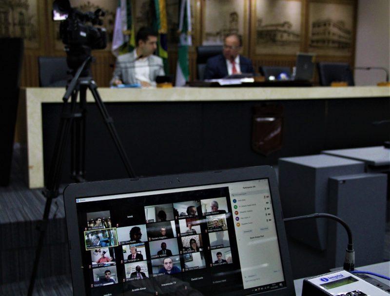 Em sessão virtual, Câmara de Natal aprova calamidade pública e contratação de profissionais para a Saúde
