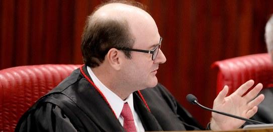 TSE aprova com ressalvas prestação de contas do PSD referente a 2014