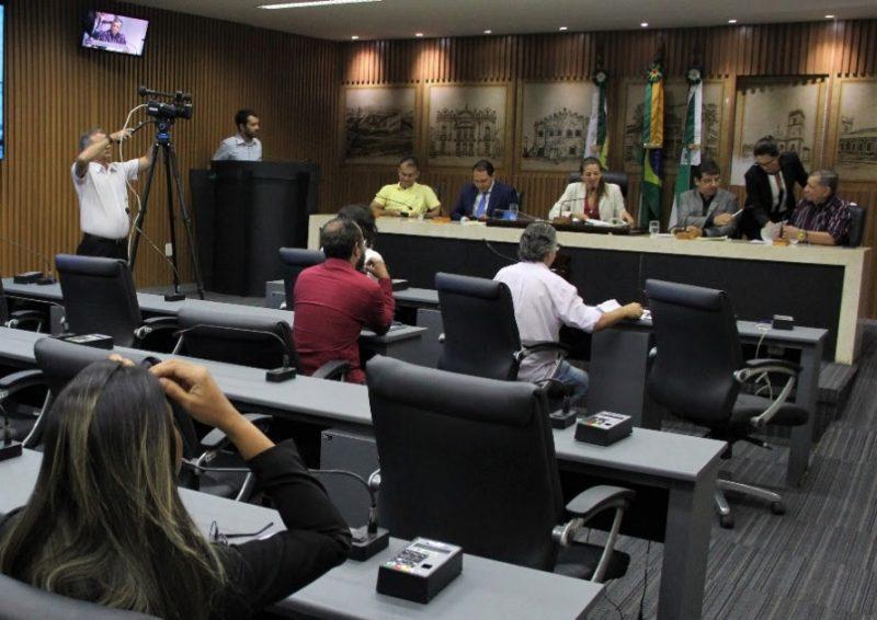 Vereadores apreciam vetos do Executivo na Comissão de Justiça