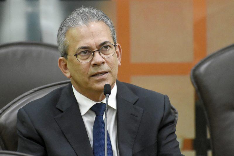 Audiência pública discute soluções para processo de erosão em Ponta Negra