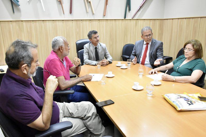 Comissão de Educação faz mediação do diálogo entre professores e governo