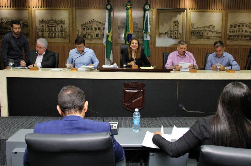 Projetos para Saúde e Assistência passam na Comissão de Justiça