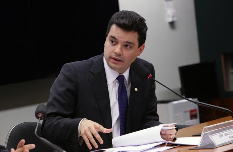 Covid-19: Projeto de Walter Alves garante proteção aos beneficiários do Fies