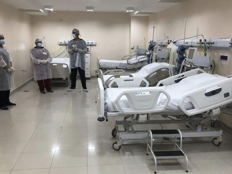 O ministro interino da Saúde, Eduardo Pazuello, acompanhado do governador do Amazonas, Wilson Lima, participam da inauguração da Ala Indígena no Hospital Nilton Lins