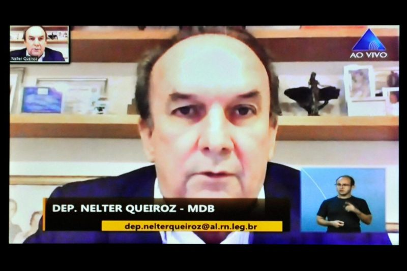 Deputado Nelter critica governadora por impedir retomada da obra de Oiticica