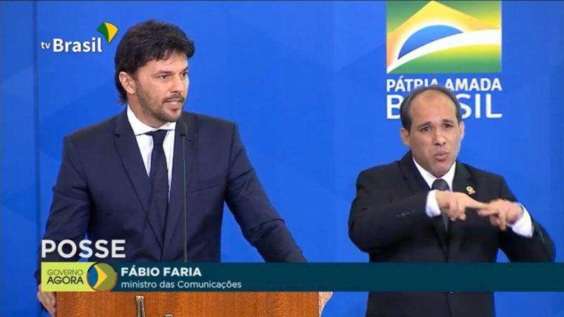 Bolsonaro dá posse a Fábio Faria como ministro das Comunicações