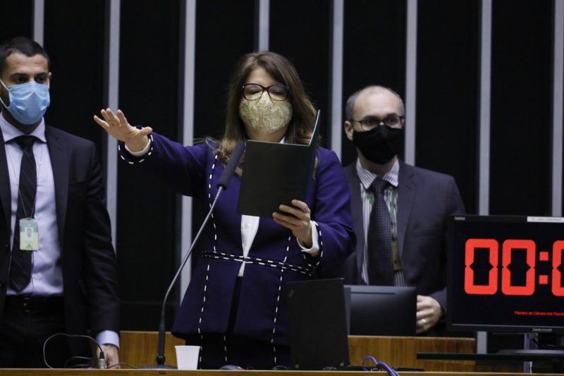 Carla  Dickson  toma posse em Brasília