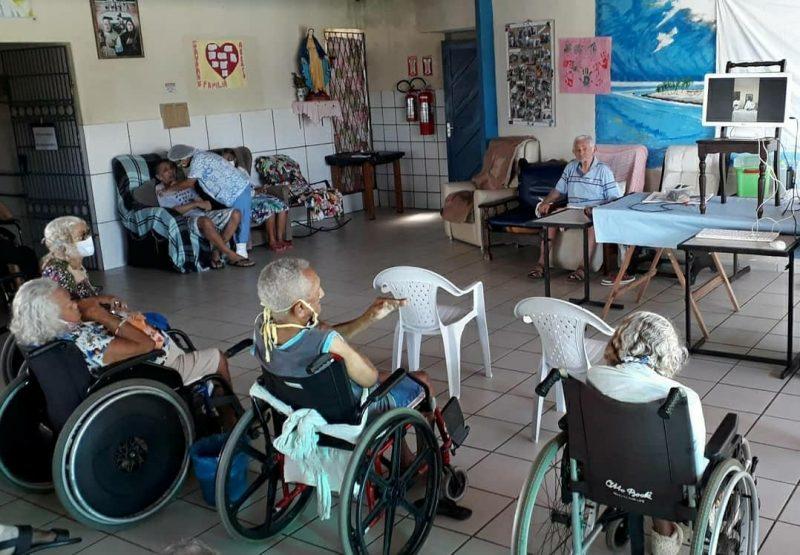Abrigo de idosos em Mãe Luiza assistido pela Semtas recebe alimentos e itens de higiene