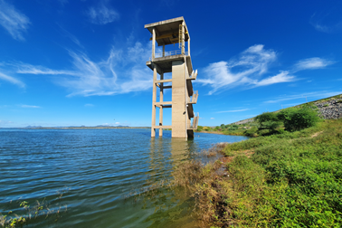 Maior açude do RN se recupera da seca dos últimos anos e volta a atender mais atividades que dependem de suas águas