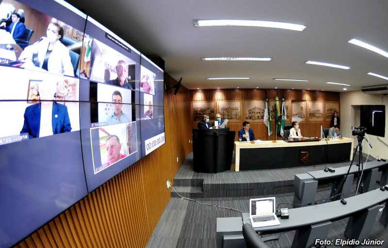 Vereadores aprovam projeto para identificação de terrenos baldios em Natal