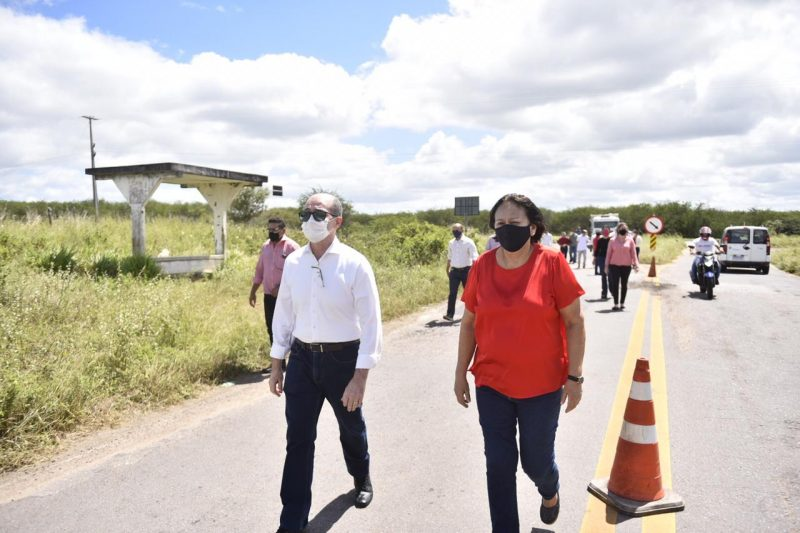 Governadora visita trecho inicial do plano de conservação de estradas, na RN-120, em São Paulo do Potengi