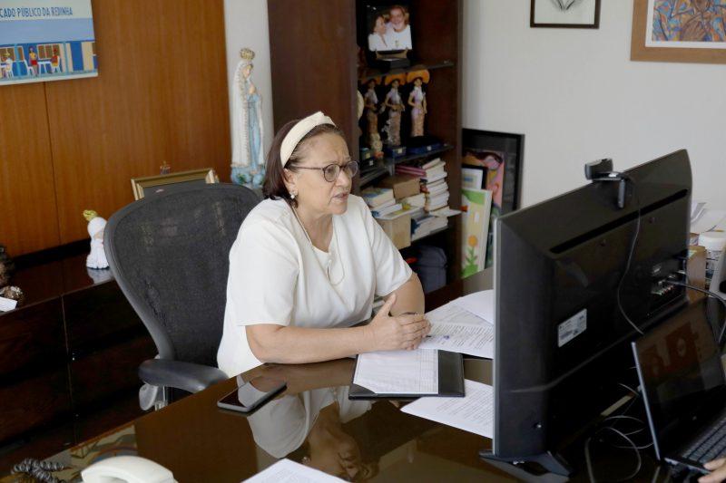 Governadora anuncia estudos para categorias em defasagem nas carreiras e salários